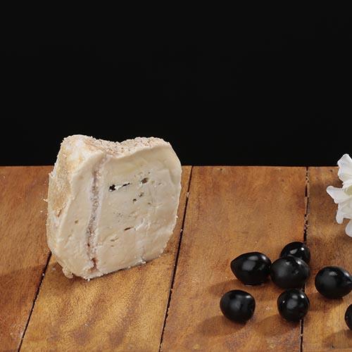 """Queso azul de búfala """"Montbrú"""" (Pieza envasada 160g aprox.)"""