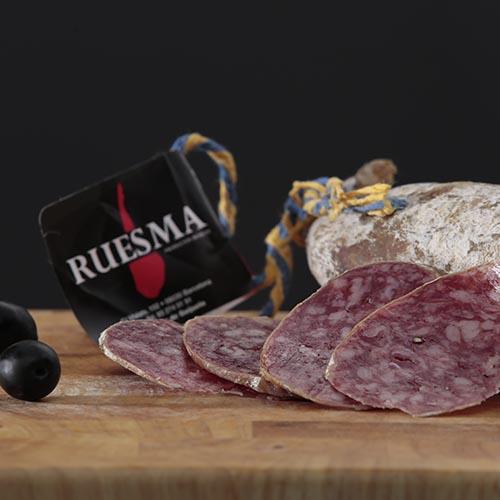 """Salchichón ibérico de bellota """"Ruesma"""". Paquete de 250 g, cortado y envasado al vacío"""