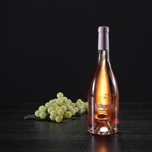Botella de vino rosado Indígena, D.O. Penedés