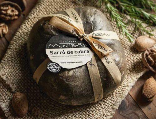 Presentem el Sarró de Montbrú, un formatge llorejat